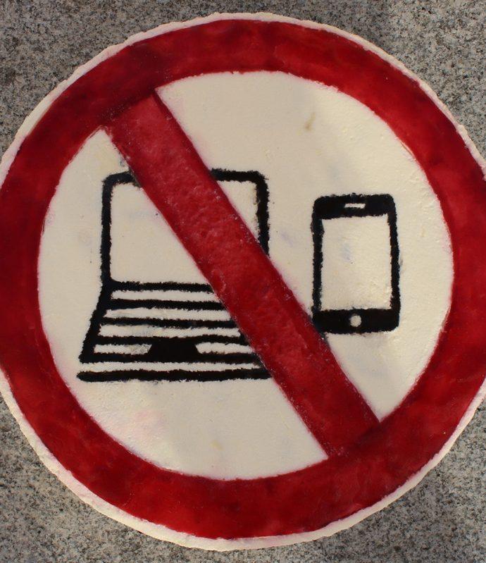 Laptop- und Handyverbot